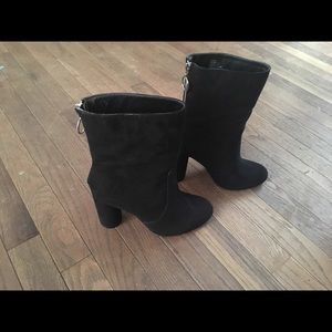 Just Fab size 8 heeled Boots
